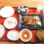 134264155 - 日替わり定食、鯛のあら煮