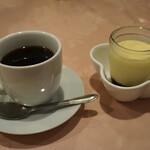 味のレストラン えびすや - コーヒーとプリン