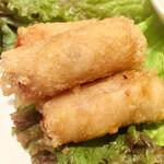 134267807 - 海老の揚げ春巻です 広東料理の海老の紙包み揚げに似ています