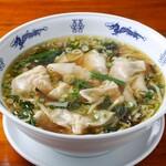 中華麺キッチン まくり - ワンタン湯