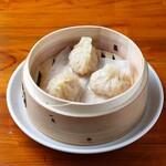 中華麺キッチン まくり - フカヒレ蒸し餃子