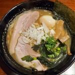 北海道ラーメン倶楽部 三代目蝦夷 - 蝦夷旨磯牡蠣味玉ラーメン
