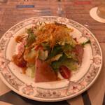 ビストロ ボナぺティ - サラダ(いいボリュームです。)