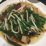 中国料理 四川 - 料理写真:2020年8月時点 週替わりランチメニューから、レバニラ炒め定食¥800