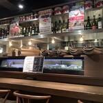ワイン食堂 TAKEWAKA - 店内