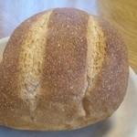 麦 MUJI - お店の定番外カリカリ&中もっちり食感の「プレーンパン」