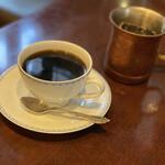 134280928 - ブレンドとアイスコーヒー
