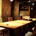 鳥ばか一代 - 内観写真:2階テーブル半個室