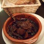 ポキート - 骨付仔羊と栗の赤ワイン煮