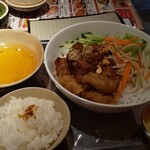 ベトナム料理 NONLA - 全景