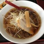 大華 - 料理写真:醤油ラーメン