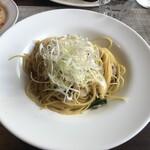 フジヤマ キッチン - 桜海老と旬野菜の和風ペペロンチーノ