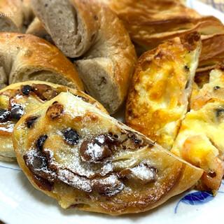 ラ・ギャミヌリィ - 料理写真:パン4種