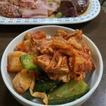 焼肉のまるちゃん - キムチの盛合わせ^ ^