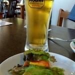 来里 - ランチセットのサラダ + ダンナさんのビール