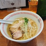 六九麺 - 海 塩らぁ麺 ¥800