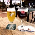 ベルギービール カフェ ベル・オーブ - 初陣柚子ブロンド(M 690円) デリリウム・ブラック・バレルエイジド(M 900円)
