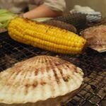かき小屋 - 帆立とトウモロコシ