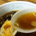 13435951 - レンゲにすくったスープに合わせたけど、タマゴにピントが合ってしまったぜぇ