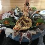 134353627 - 海鮮丼