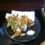 そば仙人 - 料理写真:磯辺ちくわ天と野菜かき揚げ
