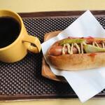猫屋カフェ - 料理写真:ホットドッグ(飲物付)=800円