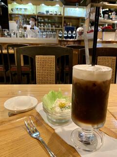 珈琲館 紅鹿舎 - バナナと茹でたまごは普通にウマし!(^。^ ポテサラは業務用っぽくてマズし!(^。^: