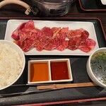 俺の焼肉 - 和牛盛り合わせ定食200g御飯大盛り