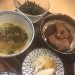 料理 萬口 - 「刻みカツオ玉子」、「カツオの煮付け」、「お漬物」