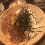 料理 萬口 - 「胡麻ダレ漬けカツオ丼」