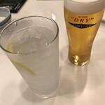 神戸元町別館牡丹園 - エクストラゴールドとレモンチューハイで乾杯