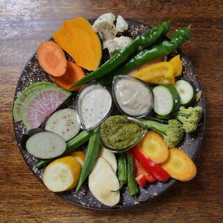 旬な食材たっぷりの鉄板料理