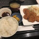 食べ・飲み・食事処 とくとく - 鶏カツらんち