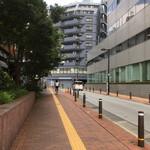 ウチョウテン - 豊島区役所の周りを反時計回りに進みます