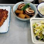 134403251 - うなぎ、いか大根、ポテトサラダ、漬け物