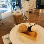 ナス・ショウゾウ カフェ - ラムクラシックとスコーンとチーズケーキ