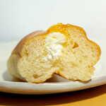 北原製パン - まったりとしたバタークリームに、アプリコットの甘酸っぱさ