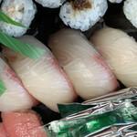 ん寿司 - 「ぶり」も厚みがあって、食べ応え十分!!