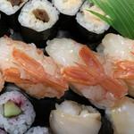 ん寿司 - 「ボタン海老」も立派です!!