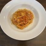 ラ・ボッテガ・オスティナート - ハーブチキンのトマトラグーソースのスパゲティ