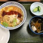 みのり食堂 - 料理写真:カツ丼 680円