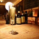 シャンパン&醤油バー フルートフルート -