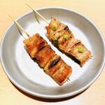 鰻の炭火焼き (白焼き・タレ焼き) (一本)