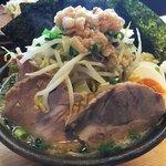 Mendoukuroton - KING G麺(麺普通・野菜マシ・にんにく多・あぶら多)