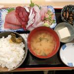 魚菜はざま - 料理写真:刺身定食