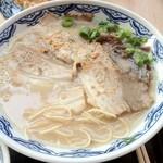 由丸 - チャーシュー麺
