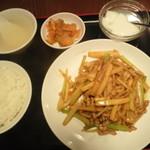 天縁飯店 - セロリと豚肉炒め