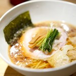 Japanese Ramen Noodle Lab Q - 「裏Q限定 煮干し醤油わんたん麺1300円」