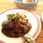 Daurade - ほほ肉の赤ワイン煮込  ¥2000