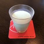 みやまダイニング畔 - 青汁ジャージー牛乳